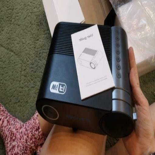 CRENOVA Mini projector Full HD for 1080p lumens